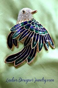 724ece0beac1c Vintage Rhinestone Emerald Crystal Blue Green Bird Pin Brooch Jewelry