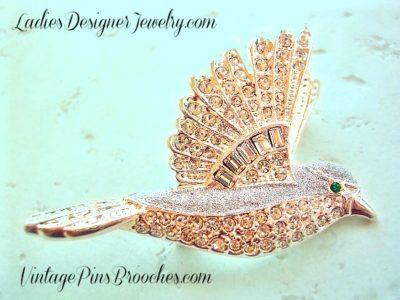 cd01dc87d0f Vintage Diamond Crystal Baguette Rhinestone Bird Dove Animal Pin Brooch  Jewelry